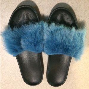 UGG Women's Royals Tipped Flat Sandal Enamel Blue